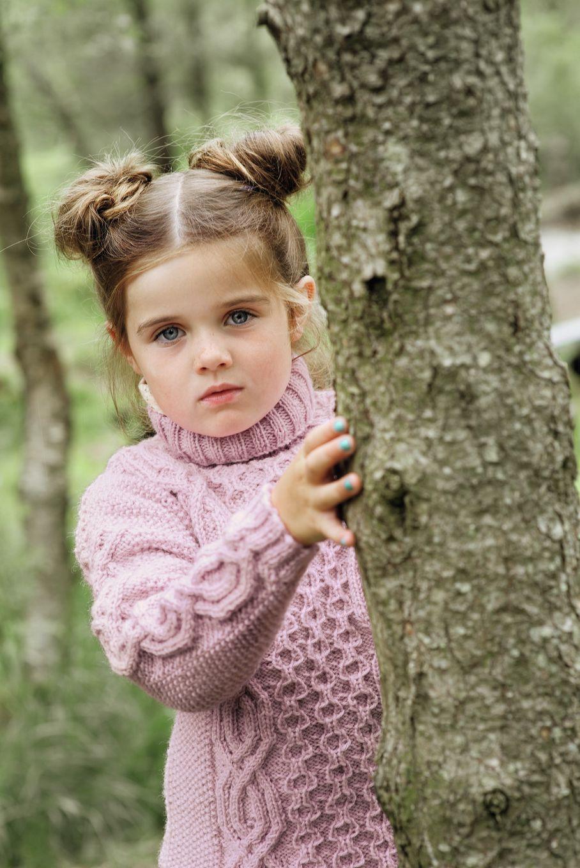 strikket genser med fletter barn